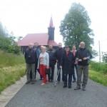 A workshop résztvevőinek egy része Stare Hamry templománál